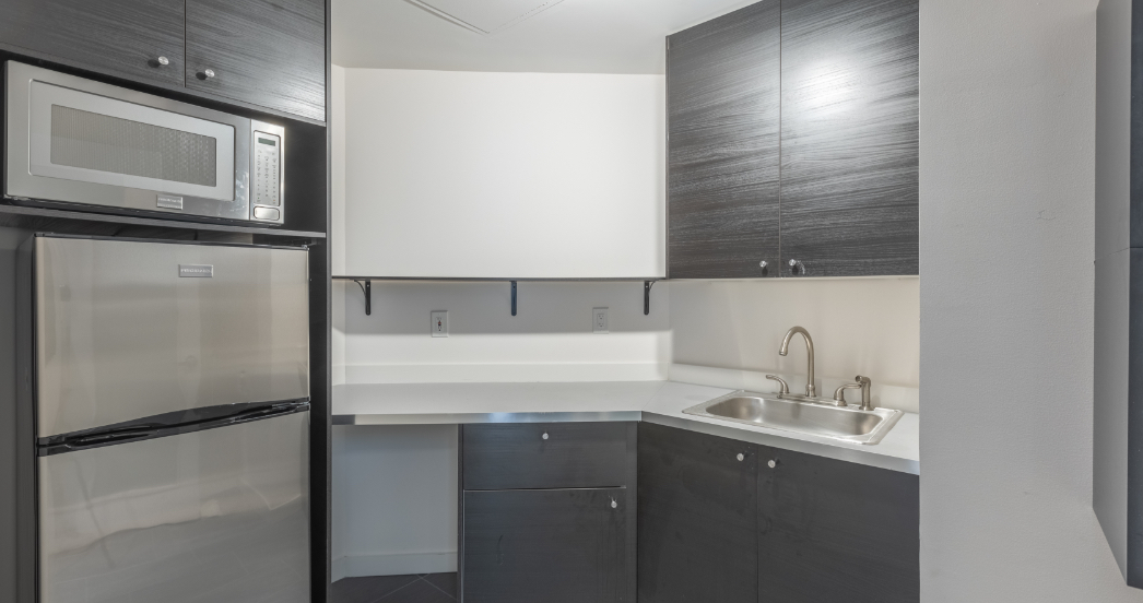 kitchen in a psychotherapy office rental in nyc